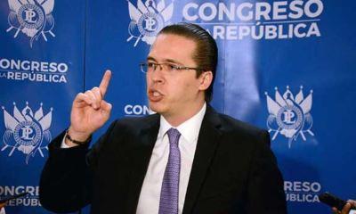 LA CSJ decidió por tercera vez no retirarle la inmunidad al diputado Felipe Alejos. (Foto: El Periódico)