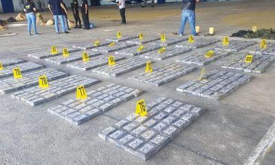 En total fueron contabilizados 762 paquetes con cocaína en el accidente de una avioneta, en Las Cruces, Petén. (Foto: PNC)