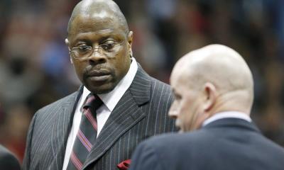 Patrick Ewing, exjugador de los Nicks de Nueva York de la NBA, abandonó el hospital luego de recuperarse COVID-19. (Foto: EFE)