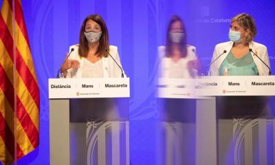 Meritxell Budó -izquierda- junto a la consejera de Salud, Alba Vergés, durante la conferencia de prensa de este viernes en Barcelona, sobre los nuevos brotes de COVID-19. (Foto: EFE)