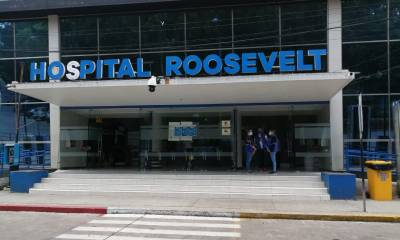 El Hospital Roosevelt, al igual que muchos de los centros asistenciales de la capital, se encuentra al límite con sobrepoblación de pacientes, debido al COVID-19 en Guatemala. (Foto: PDH)