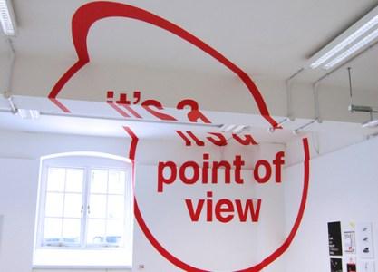 Felice Varini. Point of view. No comprenderás la imagen hasta que te sitúes en el punto de vista correcto.