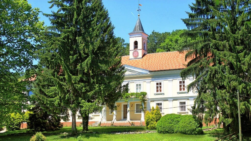 Castle Bezanec
