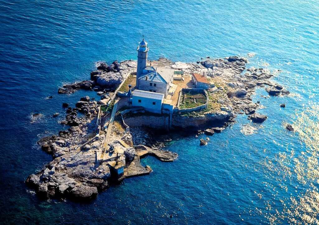 Sv. Ivan, Stay in a Lighthouse