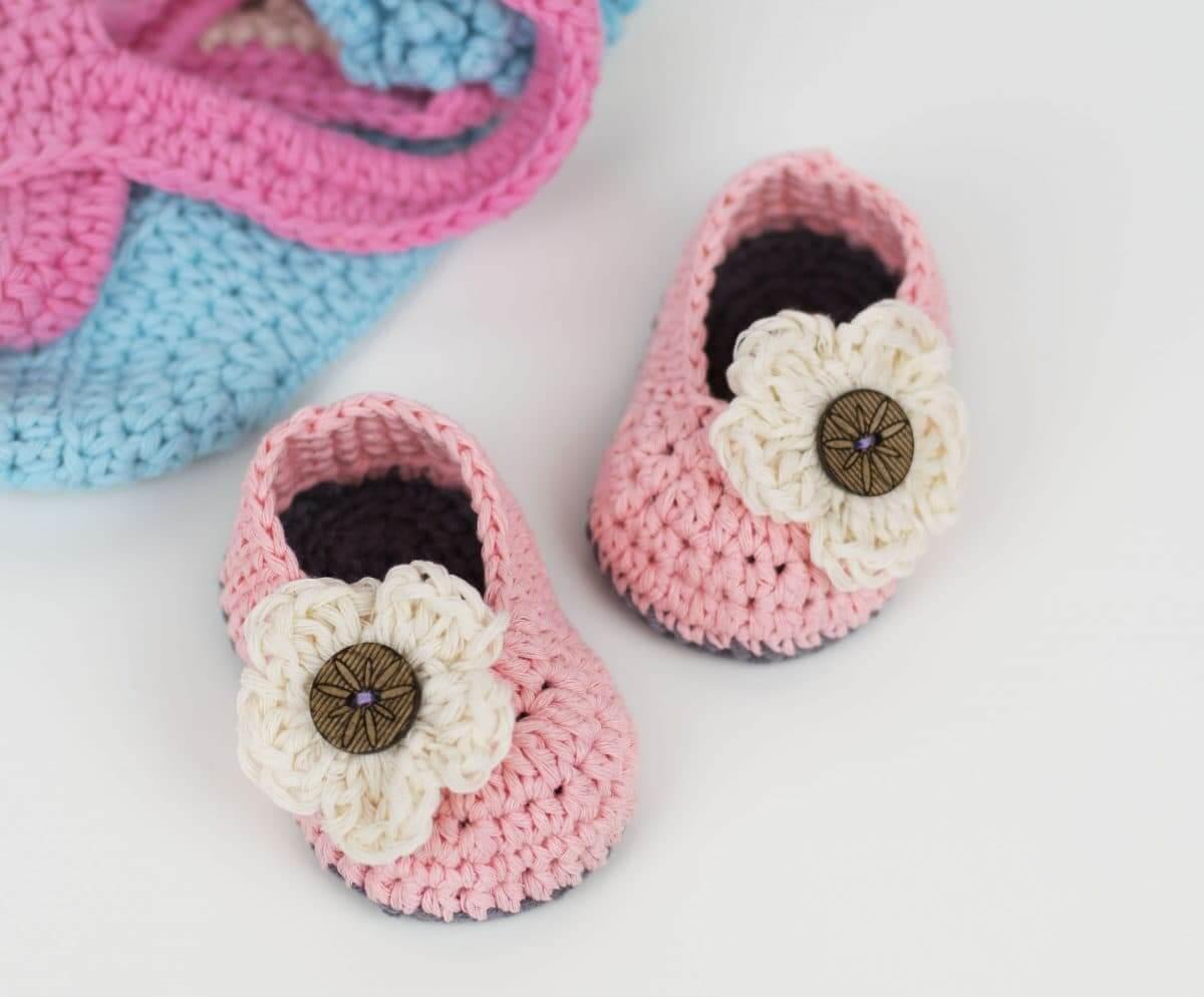 Little Daisy Crochet Baby Booties