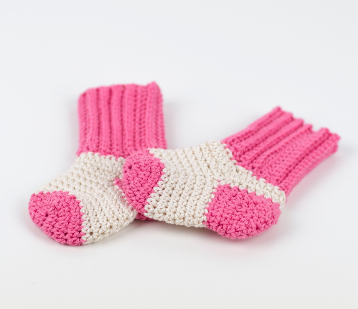 Crochet Baby Socks by Croby Patterns