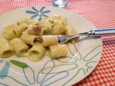 Mezze maniche alla crema di zucchine e mandorle