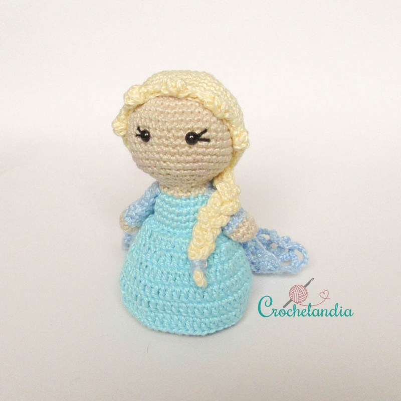 Toy Art Amigurumi Elsa