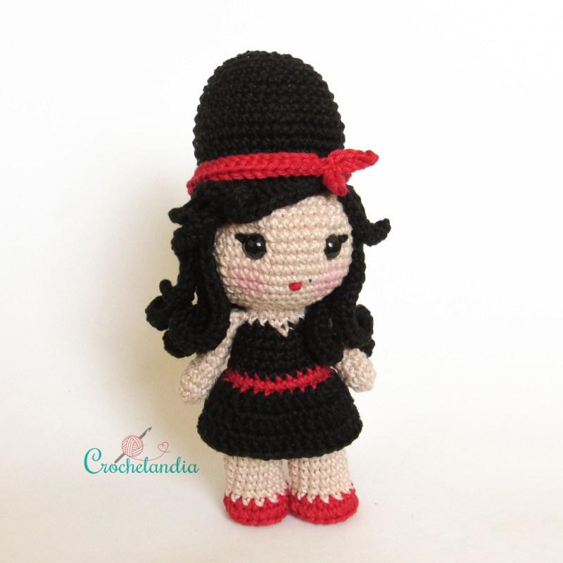 Toy Art Amigurumi Amy Winehouse - by Crochelandia