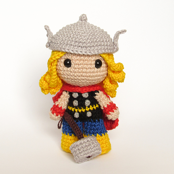 Toy Art Amigurumi Thor - by Crochelandia