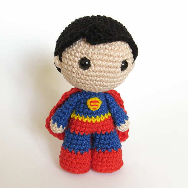 Toy Art Amigurumi Superman - by Crochelandia