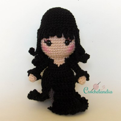 Toy Art Amigurumi Elvira, Mistress of the Dark