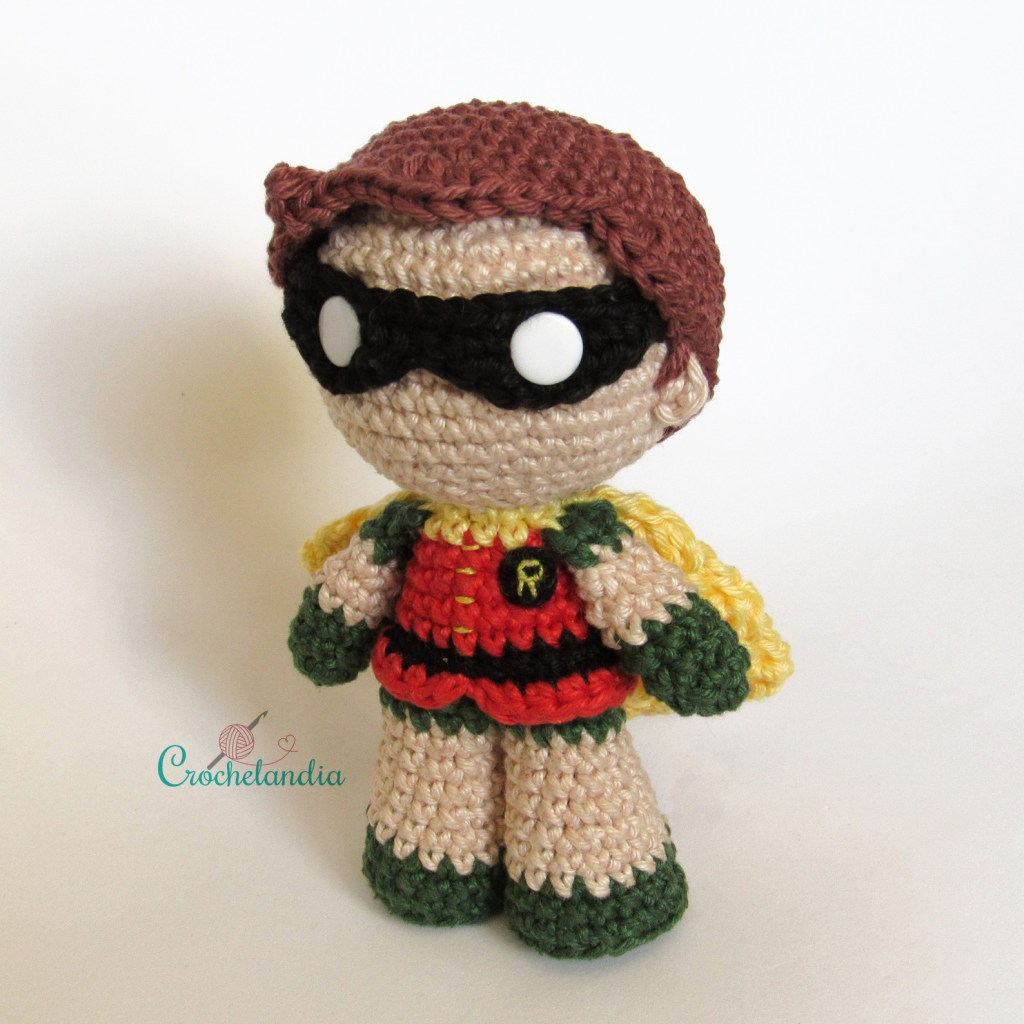 Toy Art Amigurumi Robin - by Crochelandia