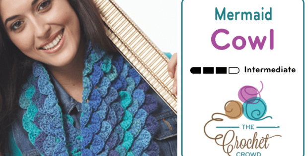 Free pattern and video tutorial for how to crochet this pretty Mermaid Cowl using the crocodile or scale stitch.