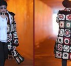 Granny square jacket free crochet pattern and video. So trendy!