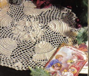 xmas doily runner up 0709