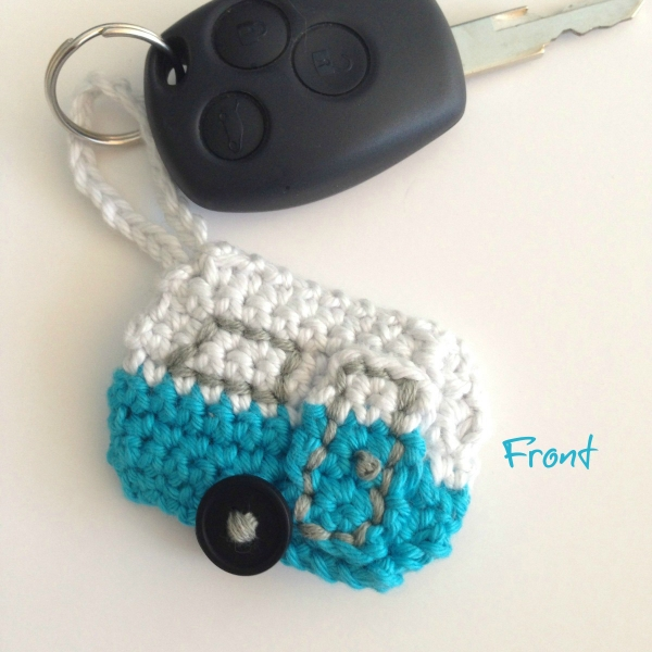 Crochet Caravan Keychain ? Crochet