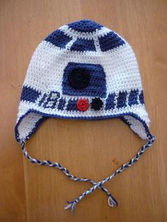 1b7fc3e6298 R2D2 Free Star wars Crochet Pattern. R2D2 flap beanie Crochet Pattern.