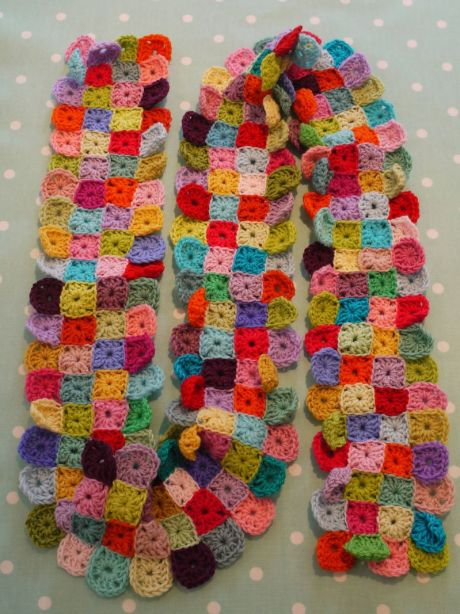 Do-you-mind-if-I-knit's Little Squares Scarf which, like granny square sampler afghan, has eluded me