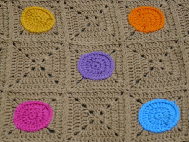 crochet circles and crochet squares
