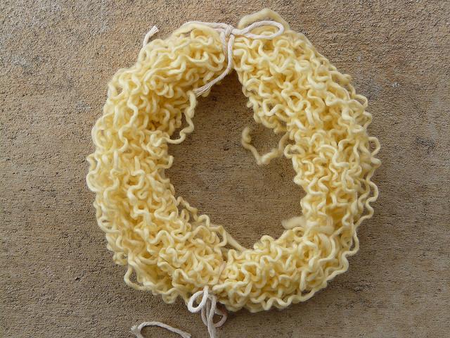 crochetbug, kool-aid yarn dyeing, kool-aid, yarn dyeing