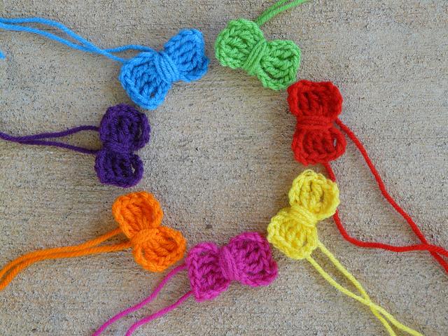 seven crochet bows
