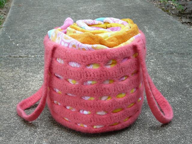 felted crochet bag Kool-Aid dyeing