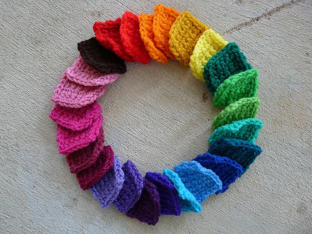 a rainbow circle of crochet squares