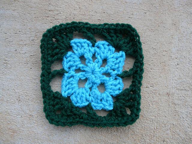 crochet square 71 crochet flower center
