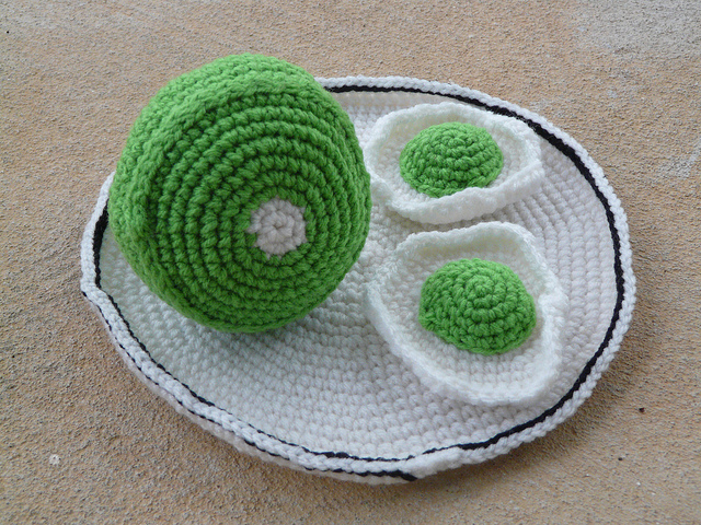 crochet green eggs and amigurumi ham