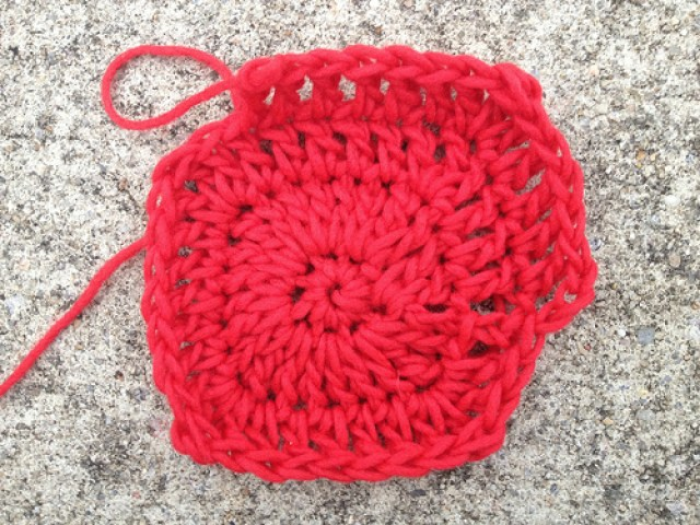 Josef Albers, crochetbug, crochet potholder, crochet pot holder, felted crochet, red, rojo, rouge