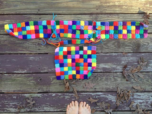 Bauhaus block crochet travel bag