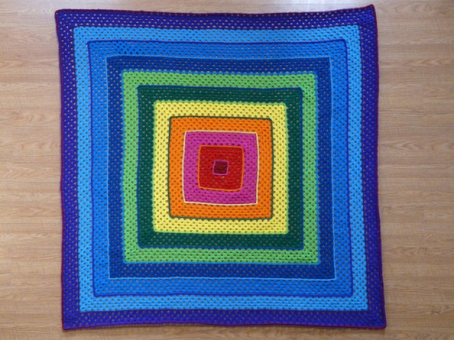 crochetbug, crochet concentric squares, crochet squares, granny squares