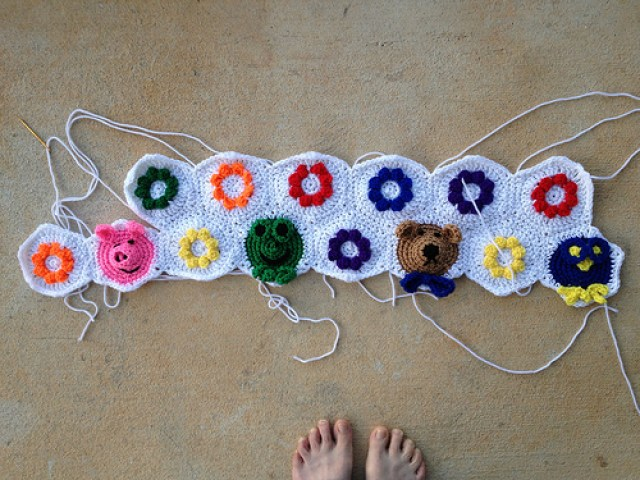 crochetbug, anne halliday, crochet hexagons, crochet afghan, crochet pigs, crochet frogs, crochet bear, crochet birds