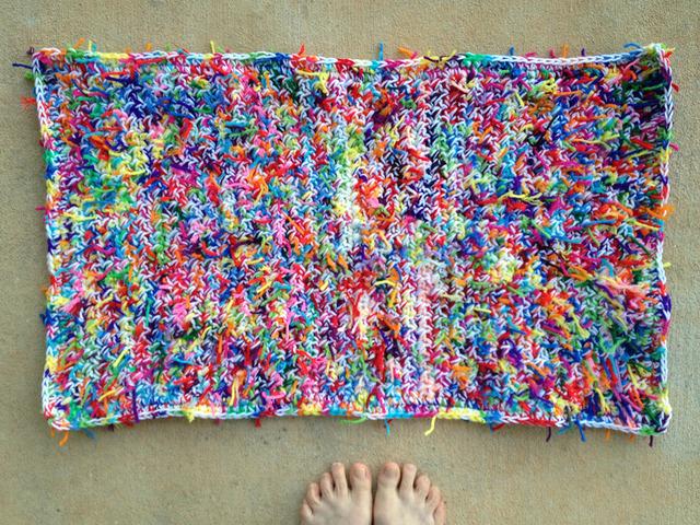 scrap yarn kitty litter crochet mat