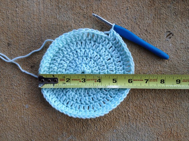 six rounds of a crochet chemo sleep cap