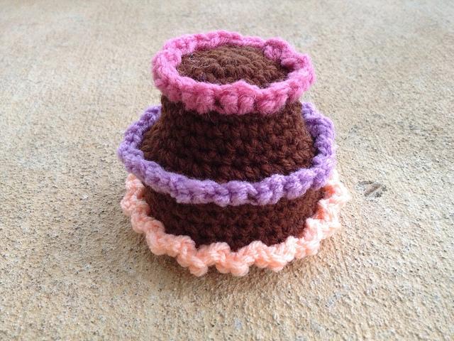 crochet cake amigurumi