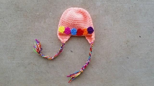 crochet hat with crochet flowers