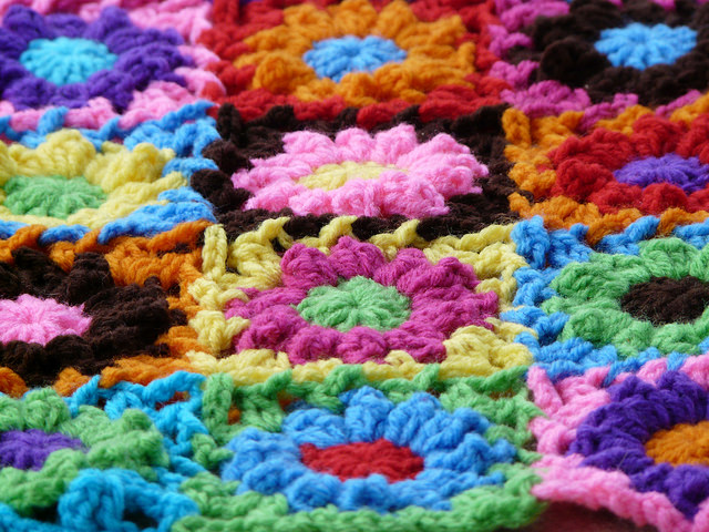 puff stitch crochet flower join as you go detail