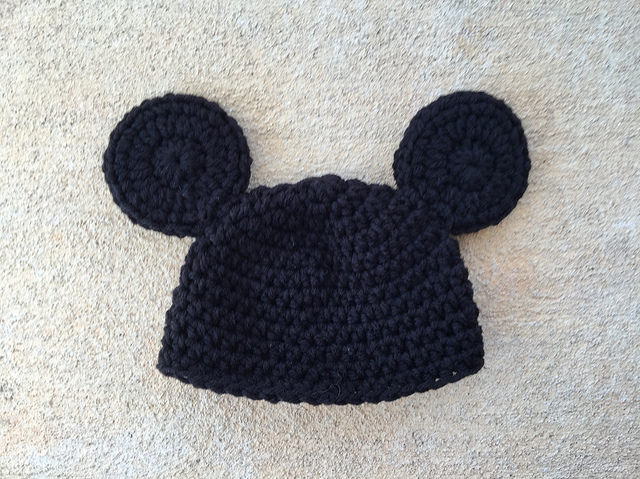 crochet baby hat with mouse ears