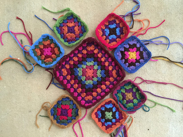 The fourth crochet bag begins to take shape and I get unstuck