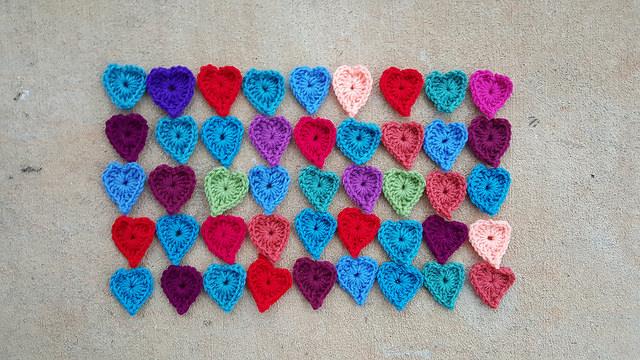 boho crochet heart centers, crochetbug, crochet hearts, crochet motifs