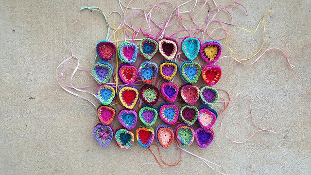 crochet heart medallions I am going to use for festooning a crochet purse