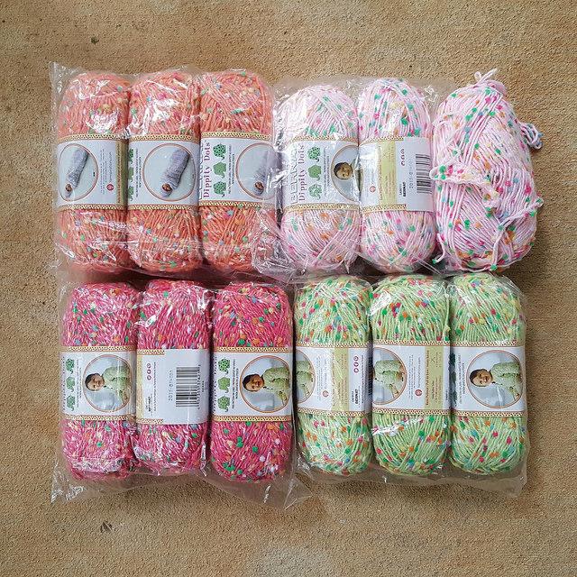 bernat dippity dots yarn