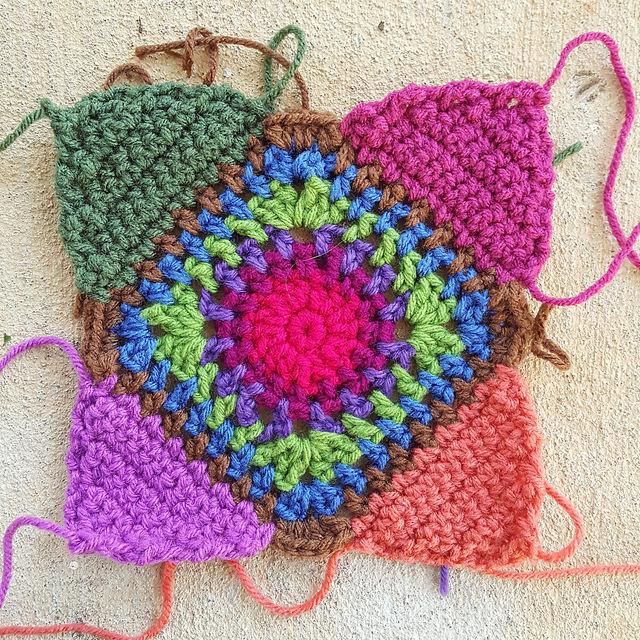 crochet square for a granny square bag crochet