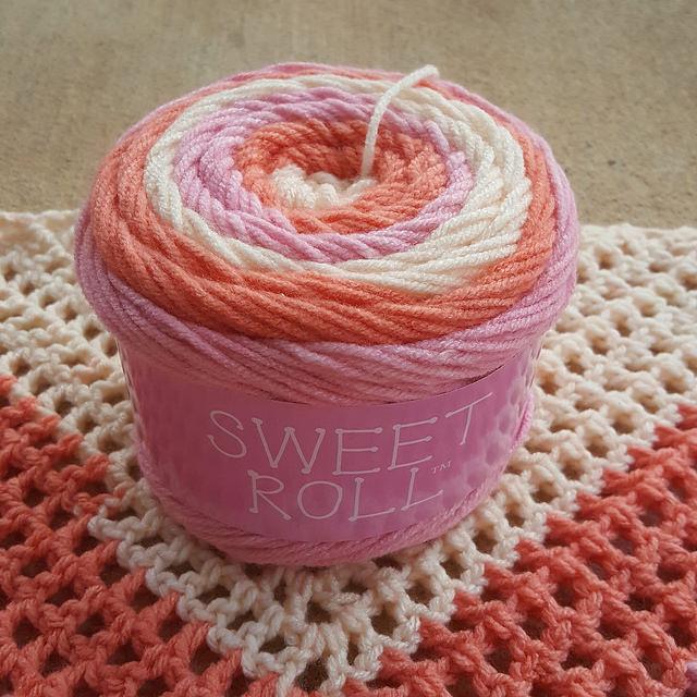 sweet roll acrylic yarn