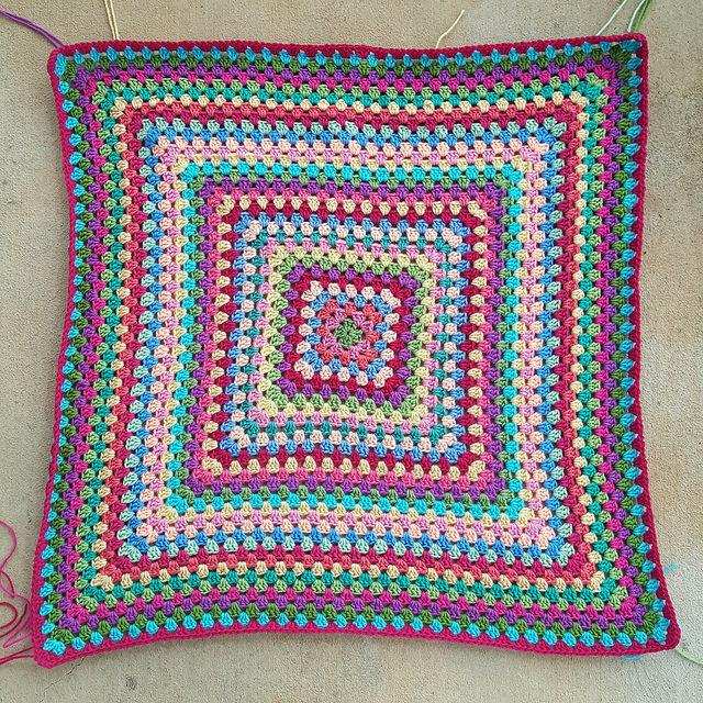 crochet granny square baby blanket