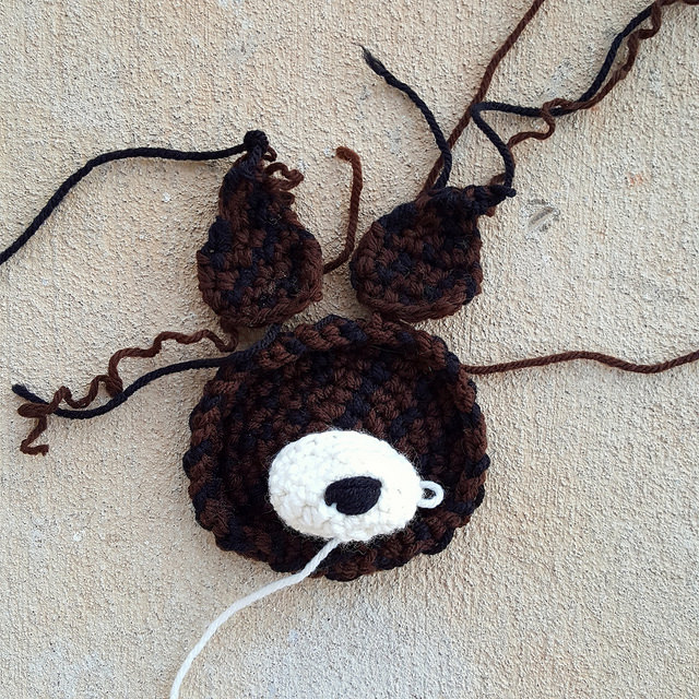 crochet dog face with two ears