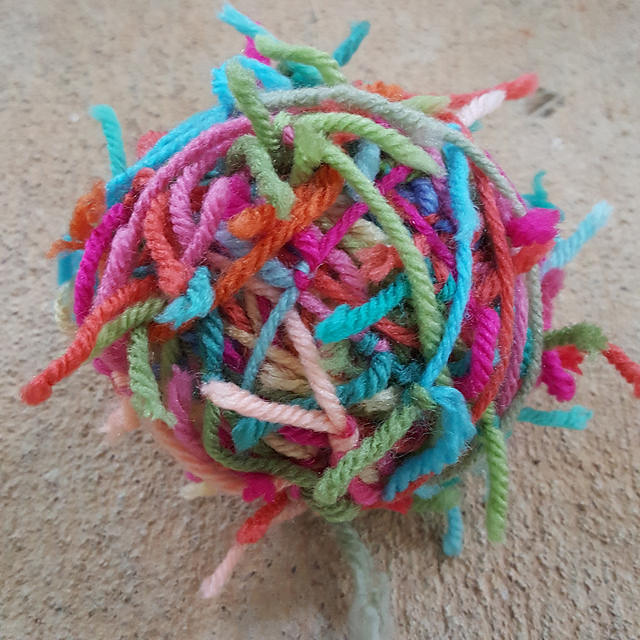 yarn scraps, crochetbug, flamingo palette, use what you have, upcycle