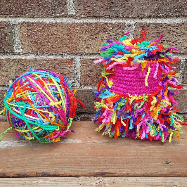 scrap yarn crochet cat with scrap yarn ball